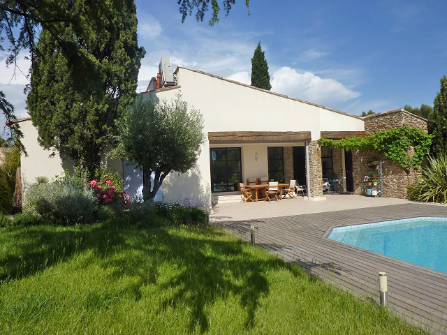 villa with pool for sale marseille bouches du rhone