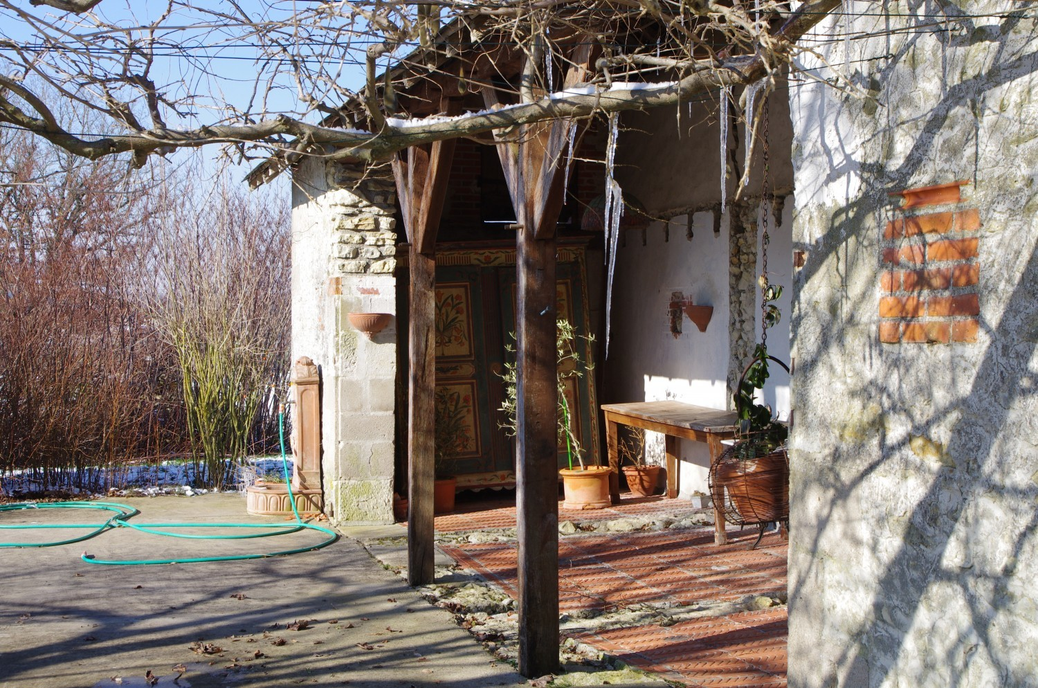 property with house and barns on 6 ha for sale indre-et-loire, f