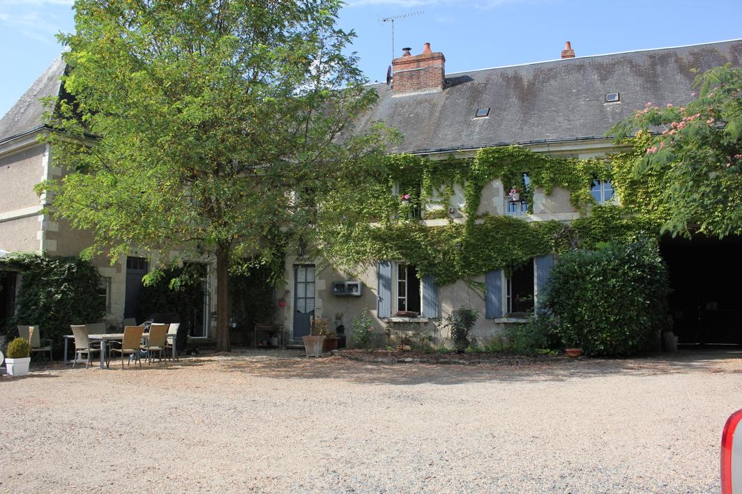 Dorpshuis met gites te koop met zwembad vienne frankrijk for Huizen te koop frankrijk